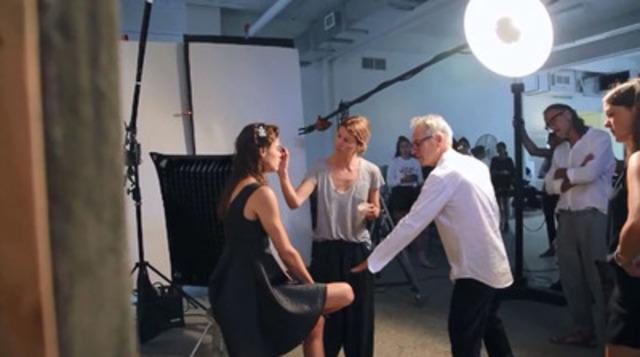 Vidéo : Découvrez les coulisses de la collection de robes en édition limitée, disponible en exclusivité chez RW&CO.