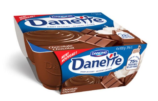 Danone Canada se lance à l'assaut d''un nouveau marché : le dessert laitier. Danette sera en vente dès le 18 août au rayon des produits laitiers des magasins d''alimentation du Canada et sera offert en six saveurs : chocolat, café, chocolat noir, chocolat-coco, vanille et caramel. (Groupe CNW/Danone Canada)