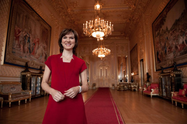 Presenter Fiona Bruce standing in Windsor Castle's Grand Reception Room. © BBC/ Her Majesty Queen Elizabeth II. (CNW Group/TVO)