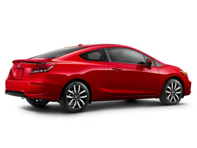 La Honda Civic, la voiture de tourisme la plus vendue au Canada depuis 15 ans, accroît son avance par rapport à la concurrence et sa valeur pour la clientèle grâce à une longue liste d'améliorations pour l'année-modèle 2014. (Groupe CNW/Honda Canada Inc.)