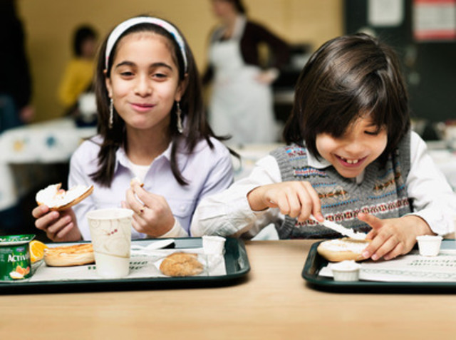 $1 equals a nutritious breakfast for a child (CNW Group/Breakfast Clubs of Canada)