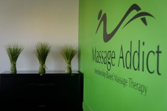 Massage Addict front lobby (CNW Group/Massage Addict)