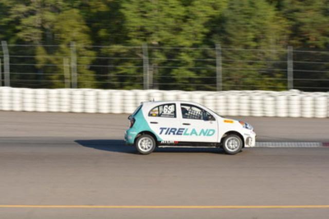 Stefan Rzadzinski, lauréat de la seconde course de la fin de semaine (Groupe CNW/Nissan Canada Inc.)