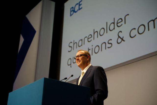 « Bell poursuit sa transformation, s'appuyant sur les investissements les plus importants du secteur dans les réseaux et les services de prochaine génération » a souligné George Cope, président et chef de la direction de BCE et de Bell, lors de l'Assemblée générale annuelle des actionnaires 2013 (Groupe CNW/Bell Canada)