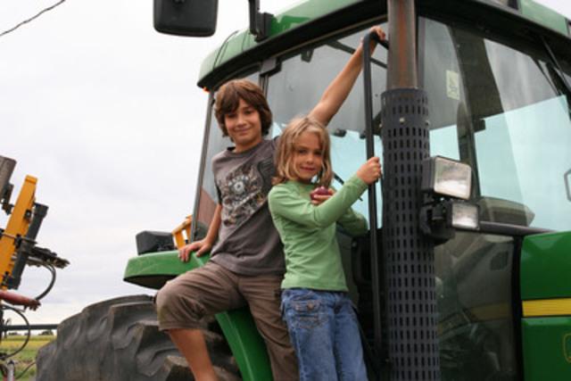 La journée Portes ouvertes sur les fermes du Québec est de retour le dimanche 7 septembre prochain! (Groupe CNW/Union des producteurs agricoles)