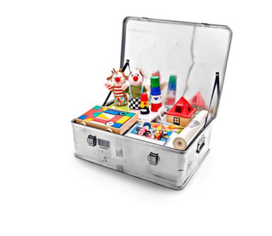La Fondation IKEA aide l'UNICEF à faire le don du jeu aux enfants touchés par des situations d'urgence de par le monde (Groupe CNW/IKEA Canada)