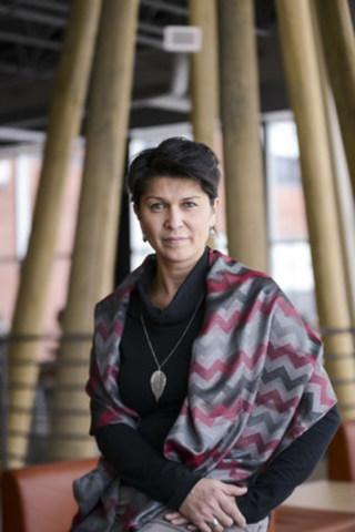 Suzy Basile : première Atikamekw à obtenir un doctorat (Groupe CNW/Université du Québec en Abitibi-Témiscamingue (UQAT))