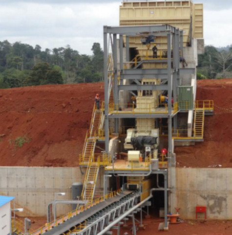 Crushing vault and conveyor (CNW Group/Endeavour Mining Corporation)