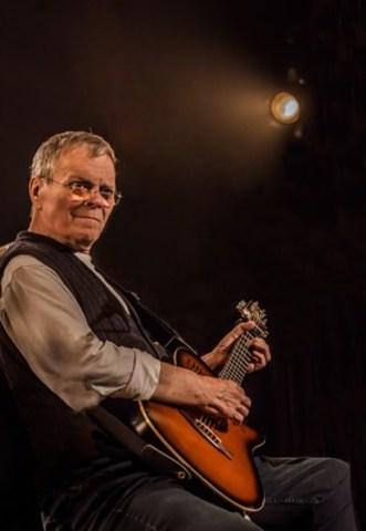 Le blues man Bob Walsh. Photo : J. St-Laurent (Groupe CNW/Chapelle Notre-Dame-de-Bon-Secours)