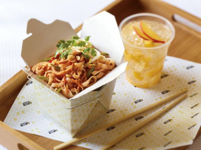 Clover Leaf(R) Spicy Tuna Pad Thai (CNW Group/Clover Leaf Seafoods)