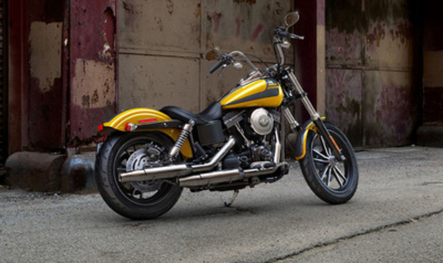 2013 Street Bob® motorcycle. Vehicle shown may vary visually by market and may differ from vehicles manufactured and delivered. See your Retailer for details. (CNW Group/Deeley Harley-Davidson Canada)