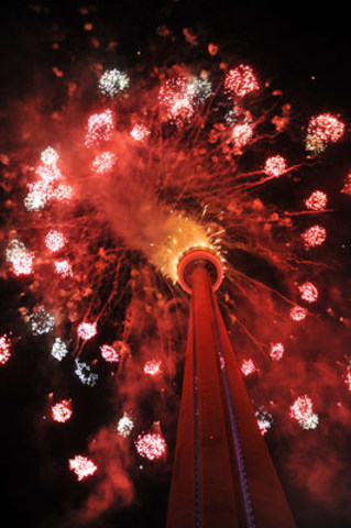 A spectacular fireworks display took place at the CN Tower plaza in downtown Toronto to conclude the TORONTO 2015 Pan Am Games Opening Ceremony and signal the start of the Games. (CNW Group/Toronto 2015 Pan/Parapan American Games)