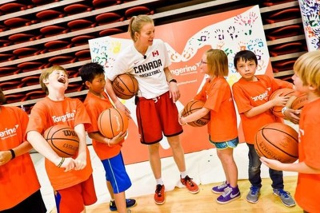Alberta-native Janelle Bekkering participated in basketball skills and empowerment programming for over 170 youth at Tangerine's first Community Gym event in Calgary today. (CNW Group/Tangerine)