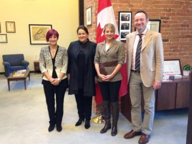 Left to right: Nicole Saint-Jean, (President of Guy Saint-Jean Editeur and President of ANEL); Caroline Fortin (President of Éditions Québec-Amérique and President of the CanadaFBM2020 Committee); The Honourable Mélanie Joly (Minister of Canadian Heritage); and Matt Williams (Vice President of Publishing Operations at House of Anansi Press and President of the Association of Canadian Publishers, ACP). Image: Thomas Minkus (CNW Group/CanadaFBF2020)