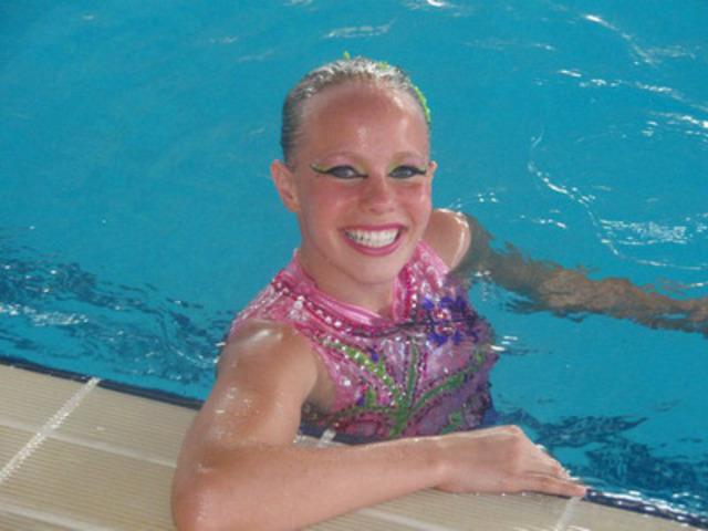 Jacqueline Simoneau, membre de l'Équipe de relève CIBC, radieuse pendant son entraînement pour les Jeux (Groupe CNW/Banque Canadienne Impériale de Commerce)