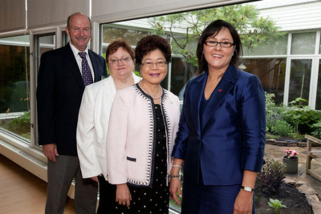 Minister Aglukkaq was joined by the Honourable Alice Wong, Minister of State for Seniors, Ms. Sharon Baxter, Executive Director, Canadian Hospice Palliative Care Association, and Mr. David Hogberg, Executive Director of The Hospice at May Court (right to left) (CNW Group/Health Canada)