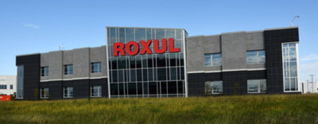 ROXUL's LEED® Gold® certified North American headquarters on Esquesing Line in Milton, Ontario. The structure incorporates over 80,000 square feet of the company's own stone wool insulation and is one of Ontario's most energy-efficient buildings. (CNW Group/Roxul Inc.)