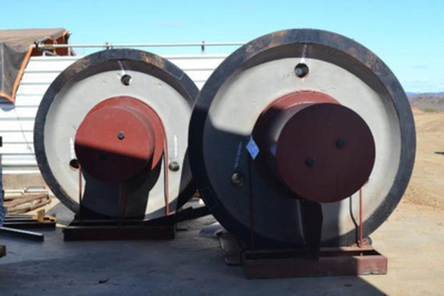 Picture 4: Final Rollers for Kiln Arrived at Site in Early November (CNW Group/Largo Resources Ltd.)