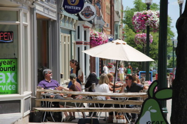 Great Street nominee - Broadway in Orangeville (Ontario) (CNW Group/Canadian Institute of Planners)