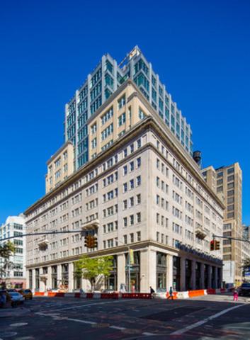 Ivanhoé Cambridge acquires 49% interest in  330 Hudson in Manhattan (CNW Group/Ivanhoé Cambridge)