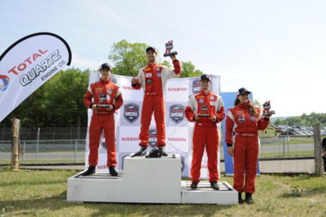 Le podium de la deuxième course: Kevin King, Olivier Bédard, Stefan Rzadsinski et Ashley Sahakian, première recrue. (Groupe CNW/Nissan Canada Inc.)