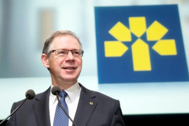 Réjean Robitaille, président et chef de la direction de la Banque Laurentienne, lors de l'assemblée des actionnaires tenue au Monument-National à Montréal aujourd'hui.  (Groupe CNW/Banque Laurentienne du Canada)