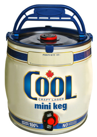Cool mini keg: easy to handle, chills quickly, fits in fridge, holds 9 beers and sells for less than $20.00 (CNW Group/Cool Beer Brewing Co.)
