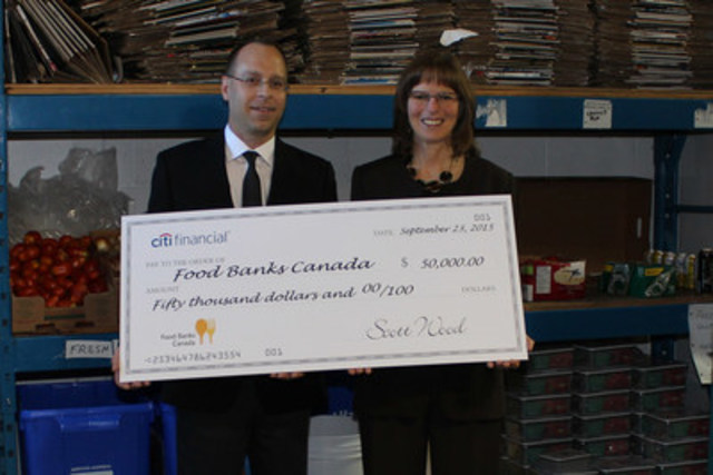CitiFinancial renews its annual commitment to Food Banks Canada in time for Thanksgiving. From Left to Right : Bradford Scott, Chief Marketing Officer, CitiFinancial, Katharine Schmidt, Executive Director, Food Banks Canada (CNW Group/CitiFinancial Canada, Inc.)