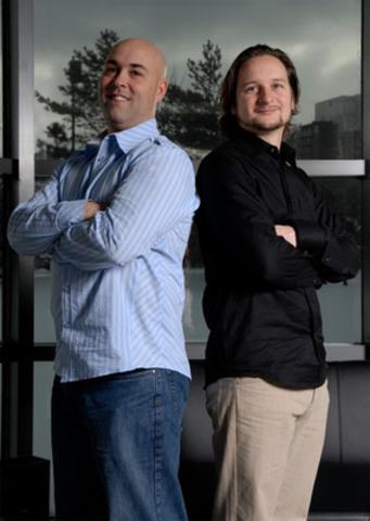 Eric Chouinard et Martin Leclair, les cofondateurs d'iWeb (Groupe CNW/GROUPE IWEB INC.)