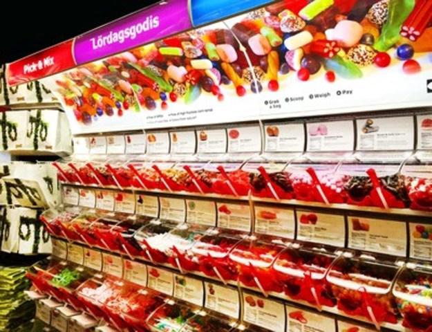 La nouvelle boutique de vente de friandises en vrac, LÖRDAGSGODIS, chez IKEA Canada (Groupe CNW/IKEA Canada)