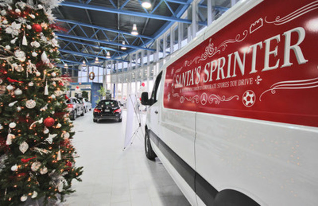 Mercedes-Benz Toronto Corporate Retail Stores kick off the holiday season with toy drive (CNW Group/Mercedes-Benz Canada Inc.)