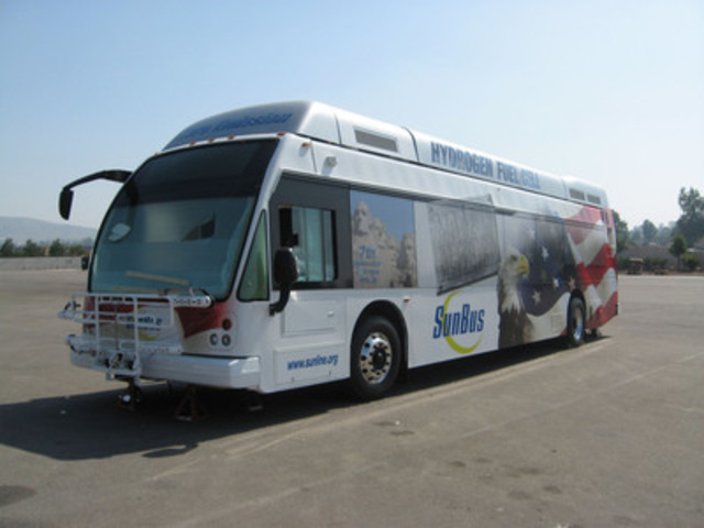 SunLine Transit Agency Fuel Cell Bus (CNW Group/Ballard Power Systems Inc.)