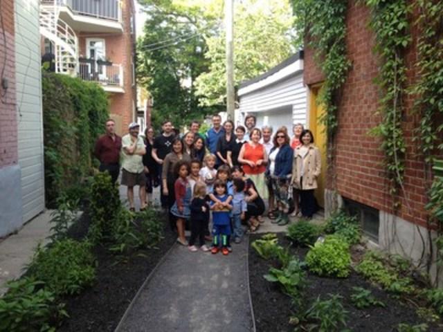 Nouvelle ruelle champêtre aménagée au début juin, donnant sur la rue Resther, au nord de la rue De Bienville. (Groupe CNW/Ville de Montréal - Arrondissement du Plateau-Mont-Royal)