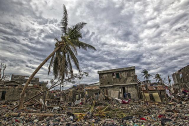© UNICEF/UN034855/Abassi, UN-MINUSTAH Le 6 octobre 2016, les travaux de nettoyage se poursuivent à Jérémie,  en Haïti après le passage de l'ouragan Matthew. (Groupe CNW/UNICEF Canada)