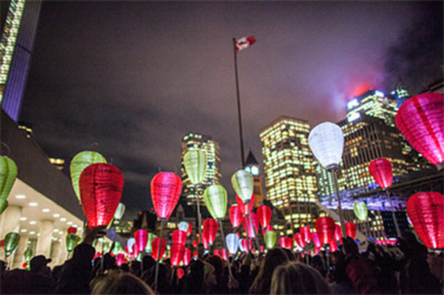 Over 6,000 people expected at Nathan Phillips Square to take part in the 12th annual Light The Night Walk on October 19, 2016 – the largest Light The Night event in Canada – when participants walk and carry illuminated lanterns in support, honour and memory of loved ones affected by blood cancers. (CNW Group/The Leukemia & Lymphoma Society of Canada)