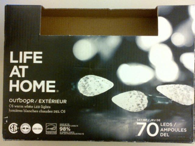 Lumières extérieures DEL Life at Home, emballages de 70 - blanches pures (Groupe CNW/Les Compagnies Loblaw limitée)