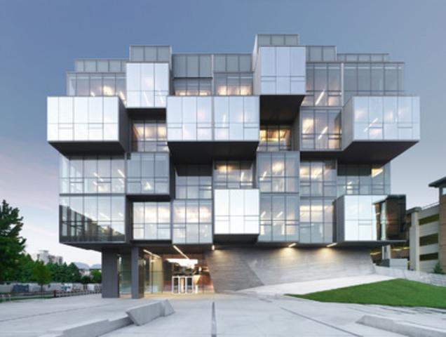 Le Grand Prix d'excellence a été attribué à la Faculté des sciences pharmaceutiques de l'Université de Colombie-Britannique, réalisée par Saucier + Perrotte architectes et Hugues Condon Marler Architects. (Groupe CNW/Ordre des architectes du Québec (OAQ))