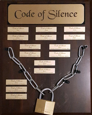The CAJ Code of Silence Award, ca. 2015. (CNW Group/Canadian Association of Journalists)