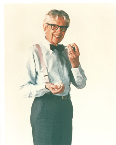 Orville Redenbacher appeared in numerous advertising campaigns for his popcorn throughout his adult years. (CNW Group/ConAgra Foods, Inc.)