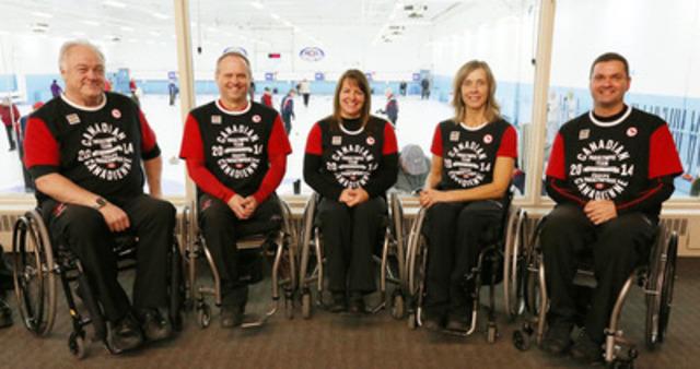 L'équipe canadienne de curling en fauteuil roulant remplie de vétérans est mise en nomination pour les Jeux paralympiques d'hiver de Sotchi 2014: skip Jim Armstrong (Cambridge, Ont.), du vice-skip Dennis Thiessen (Sanford, Man.), de la deuxième Ina Forrest (Armstrong, C.-B.), de la lead Sonja Gaudet (Vernon, C.-B.) et du substitut Mark Ideson (London, Ont.). (Groupe CNW/Comité paralympique canadien (CPC))