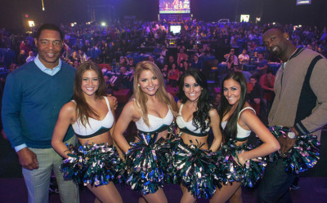 NFL Players Marcus Allen and Jevon Kearse join members of the Philadelphia Eagles Cheerleaders at Montreal's Official Super Bowl XLVII Party hosted by the NFL and presented by Bud Light. (CNW Group/Mosaic Sales Solutions)