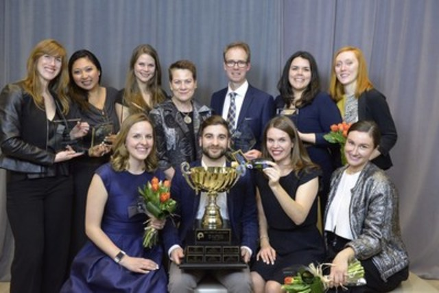 The Edelman Team with their PR Campaign of the Year Award for Ontario Association of Optometrists: 20-Second Daydreams (CNW Group/Canadian Public Relations Society)