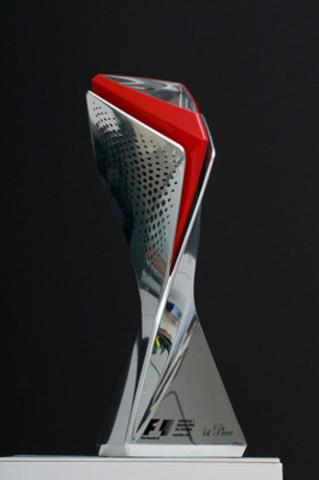 Le trophée du gagnant 2013 de la Grand Prix Formule 1 du Canada, créé par BRP (Groupe CNW/BRP)