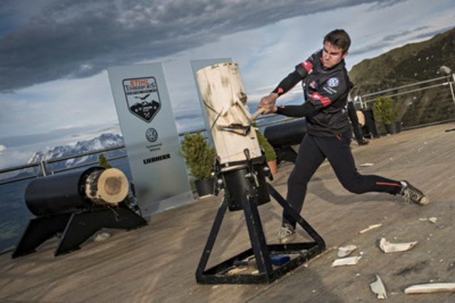 Rookie World Champion Ben Cumberland competes in his favorite discipline, Standing Block Chop, taking just 14.43 seconds to chop the massive log. Photo credits: STIHL TIMBERSPORTS® Serie (CNW Group/STIHL TIMBERSPORTS Series)
