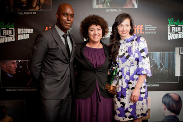 Cameron Bailey, Artistic Director of the Toronto International Film Festival, and celebrated Canadian filmmaker Ruba Nadda, present Rola Nashef with the inaugural Grolsch Film Works Discovery Award. (CNW Group/Grolsch)