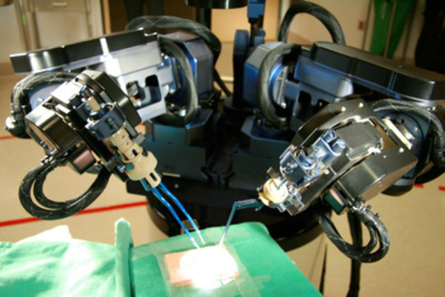 IMRIS Surgical Robot (CNW Group/IMRIS Inc.)