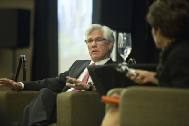 The Honourable Jim Carr, Minister of Natural Resources, takes part in a question and answer discussion with Alberta's business community, moderated by Deborah Yedlin of the Calgary Herald and hosted by the Calgary Chamber of Commerce, on February 5, 2016. (CNW Group/Natural Resources Canada)