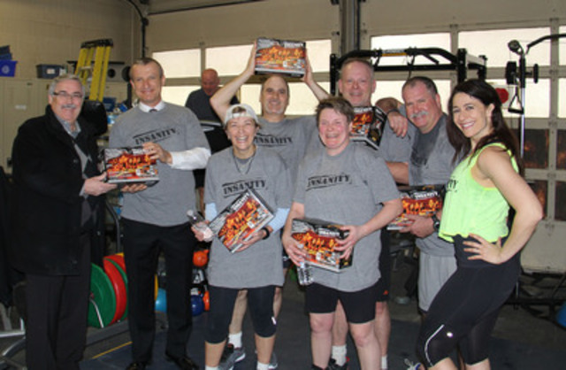 Toronto Police officers nail their first Insanity workout with Beachbody Master Trainer Felicia Taub. 228 police officers are participating in the Toronto Police Insanity Challenge from March 17 - May 19. (CNW Group/Beachbody, LLC)