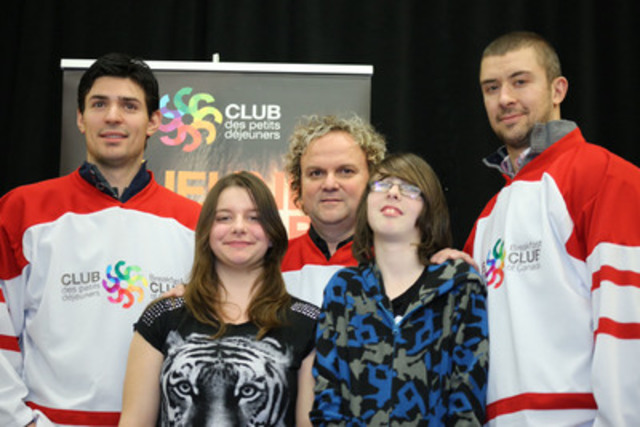 Carey Price and Josh Gorges, the Breakfast Club's new ambassadors, surrounded by Daniel Germain and Patricia and Alex from l'école Lionel-Groulx. (CNW Group/Breakfast Club of Canada)