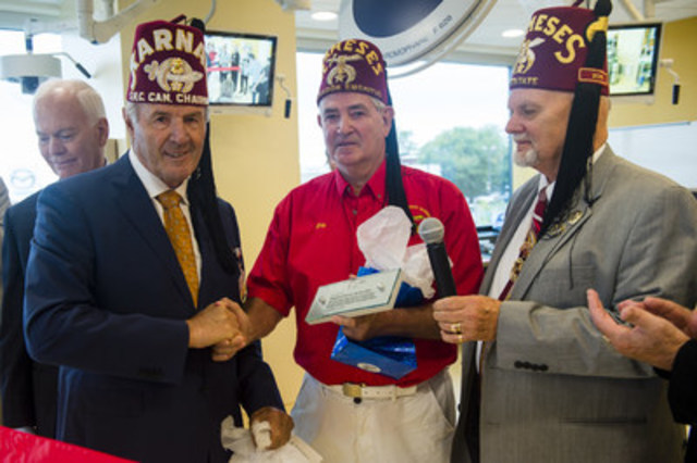 Members of the Kingston District Shrine Club (Rameses Shriners, Toronto) are recognized for their donation of close to $ 500,000  to the Pediatric Simulation Centre through the Exceptional Care for Exceptional Kids Campaign (CNW Group/Shriners Hospitals For Children)